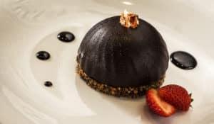 Kuchen aus halbrunder Backform